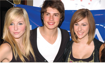 Savvy & Mandy (Radio Disney Artists) strike a pose with Gregg Sulkin