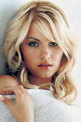 elisha cuthbert without makeup