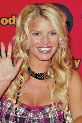 Jessica Simpson = Layered Curls