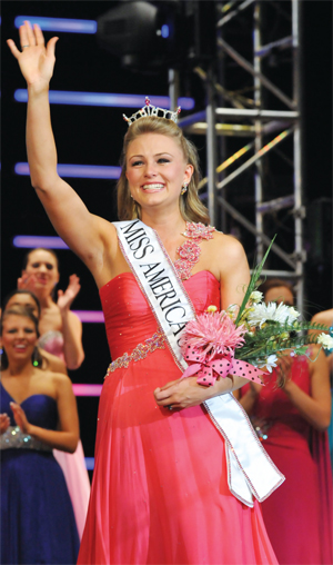Lacey Russ is crowned MAOTeen 2011
